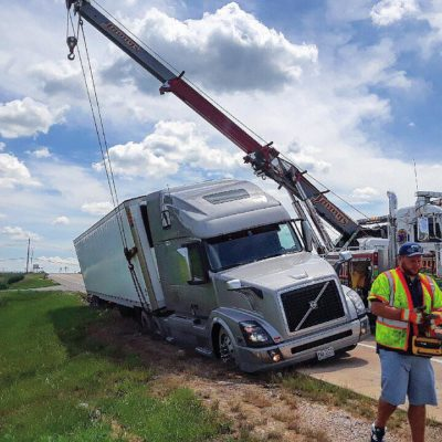 semi towing, chicago, suburbs, rotator